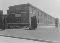 Oak Ridge, C and D wards, exterior, 1950-55.jpg